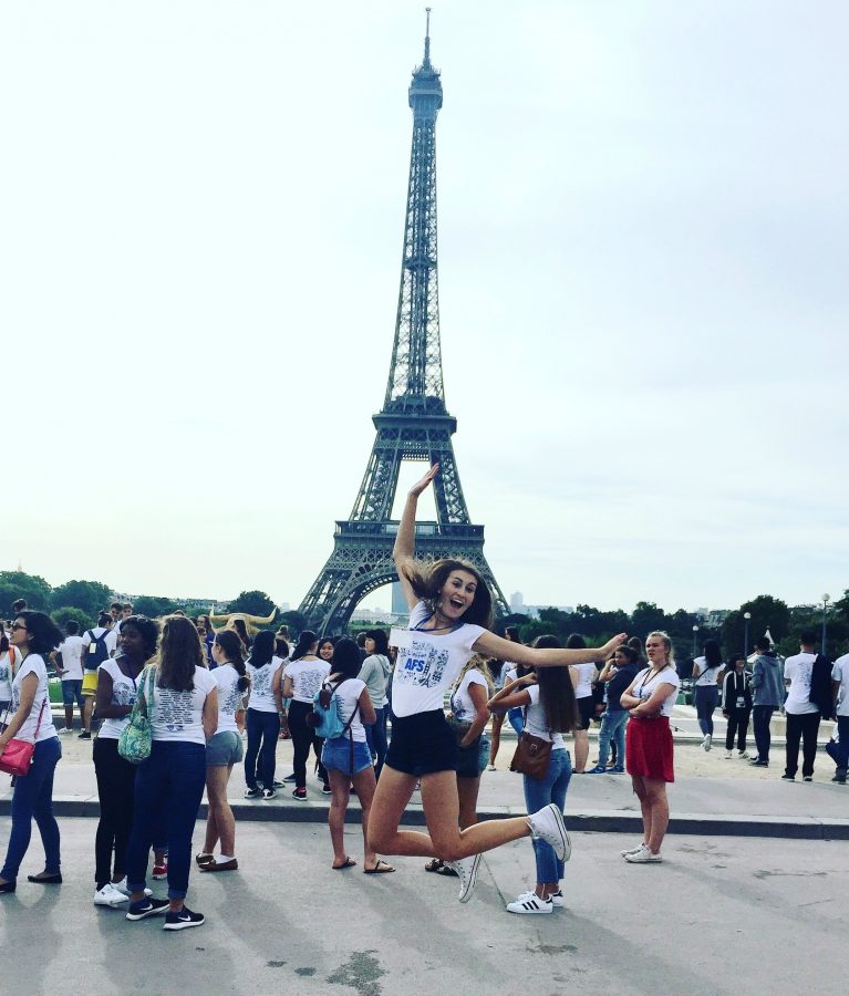 Senior+Gina+Kerscher+at+the+Eiffel+tower+before+going+to+meet+her+host+family.