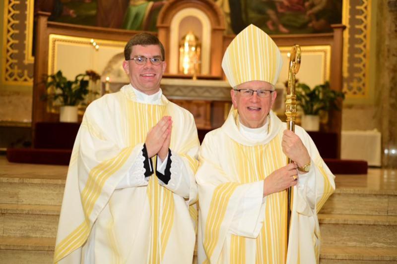 Father+Kyle+Sladek+Comes+Home+for+Wednesdays+Mass
