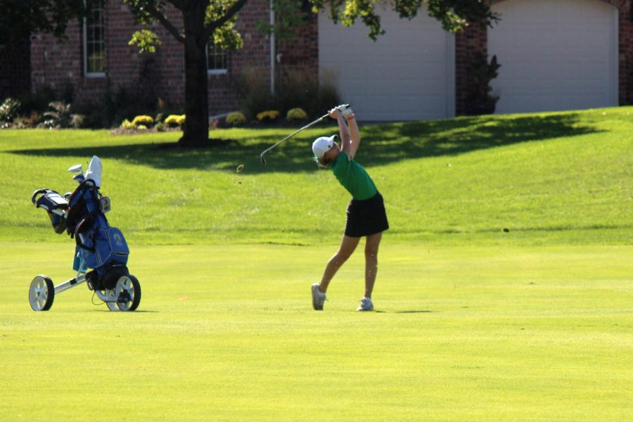 Golf Team Finishes 2nd in Conference, Girls Tout What Team Means to Them