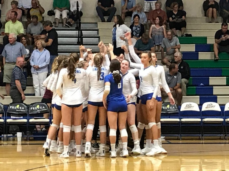 Volleyball Team Focuses on Positive Team Atmosphere